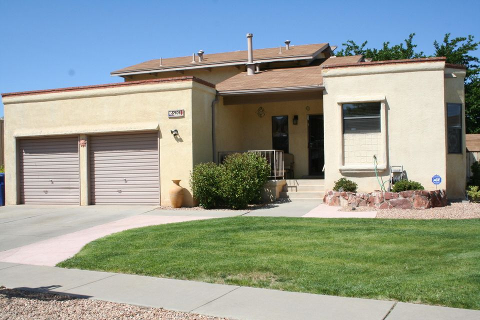Impressive City & Mountain Views! Unique Wood Brothers w/MBR suite downstairs with study/office. 2BRs upstairs.  Spacious living area flows out onto fully covered patio.  Great for summertime bar-b-ques! Formal dining plus well appointed kitchen that will satisfy even the pickiest chef.  Manicure landscaped with mature shady tree in back.  Two spacious storage buildings. Water softner will stay.
