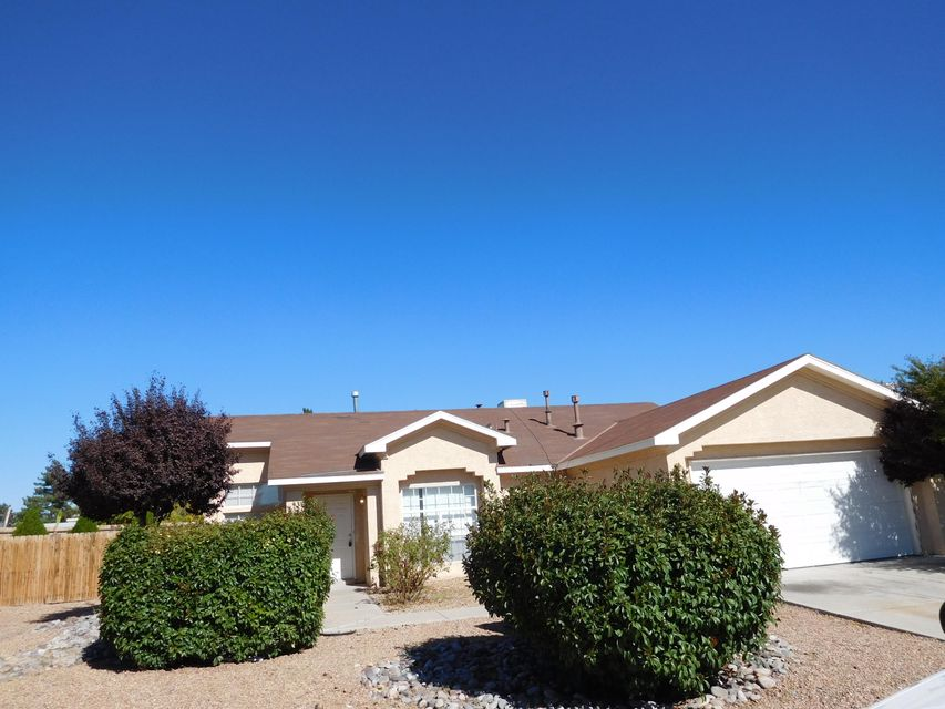 Income Property Only! Rented Thru November 30th 2018 Current Rent $1,000/Mo. Nice and spacious floor plan Vaulted Ceilings Thru-out, Fireplace W/Built-in Bookshelves,Ceramic Tile In All Wet Areas,Ceiling Fans, Fully Landscaped.