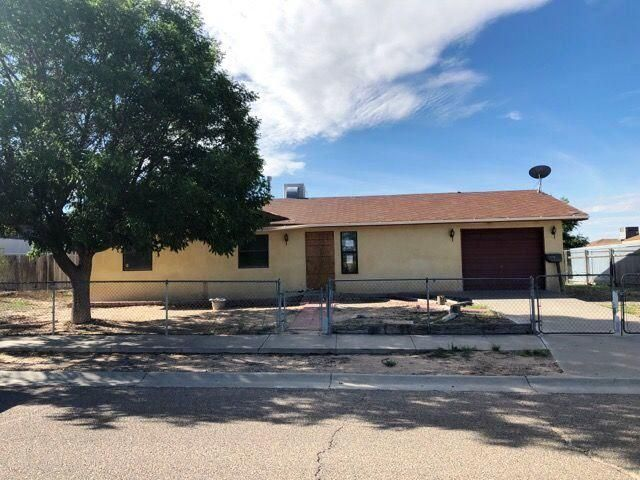Great opportunity to own this 3 bedroom ranch in Belen. Needs work, bring yourdesign ideas and see how you can restore the beauty here. Wonderfulopportunity for homeowner looking to customize or add to investment portfolio.Don't let this one pass you by, contact a local agent now for your viewingschedule.