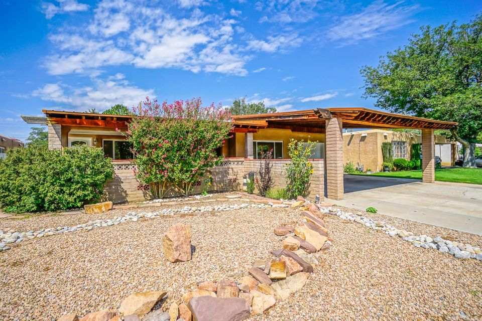 Amazing Remodel near Uptown!  House is move in ready!  New cabinets, granite, flooring! Has a beautiful covered front and back patio!  This home won't last long with this market; see it now before it's too late! New AC and Heating!
