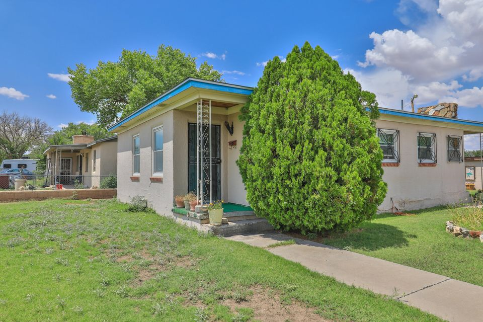 This adorable two bedroom one bathroom house is ready for a new owner! This beautiful home has been well maintained and enjoyed for many years. It is in an excellent location, directly across from Jaramillo Elementary, only a few minutes to I-25, and a minute from dining and shopping. This home also has a wonderful yard and a brand new roof! Call today to view this fabulous home!
