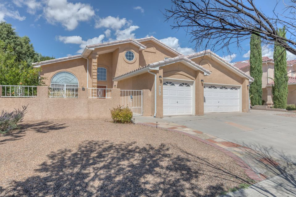 Really Nice in Riverview Ridge! REDUCED!! Come & see this great floor plan featuring 2 Living Areas, Formal Dining & Breakfast Rm all on a Landscaped Quarter Acre Plus Lot!  There is a BR Down with Full Bath down. The Master Suite & 2 More Bedrooms are Up. A Ton of Real Oak Floors are downstairs with a recently Updated Kitchen, Open to the Family Room, featuring Granite, Newer Light Fixtures & Appliances.Soaring Ceiling at the Formal LR/DR Space and the dramatic open rail stairway are super nice features!  The Yd is terraced & has a 2 large sheds for storage of all your stuff. The landscaping is mature with nice trees in back & an enclosed front courtyard.  Terrific Location is close to Westside Shopping with easy access to Paseo & West & E.side Job Centers. See it Now Before its'Long GO