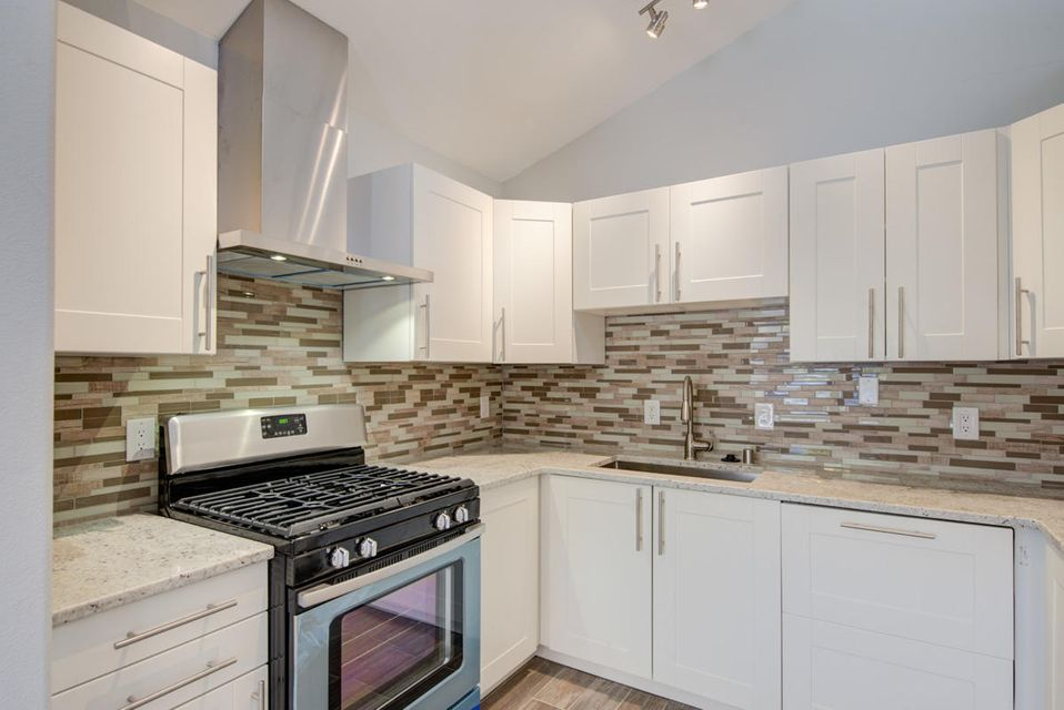 Downtown remodeled gem!!! Located close to shopping, restaurants, Old Town, museums, and just mins from the freeway. This home offers fresh, custom, paint throughout, new tile and carpet flooring, completely new kitchen with granite countertop, completely new bathrooms, new water heater and much more.  Don't let this one pass you by.