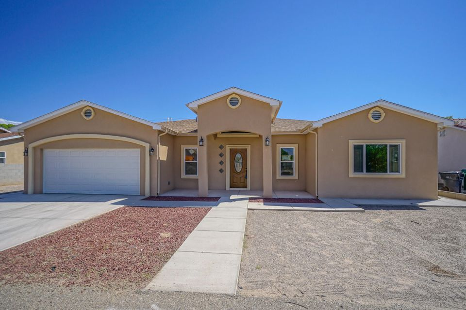 This is it! Newly built custom home! Show your clients today! Very open floor plan with owner/builder putting much thought into this custom built home; central forced heating, refrigerated cooling, plaster interior walls (Venetian Plaster), granite and upgraded kitchen cabinets.