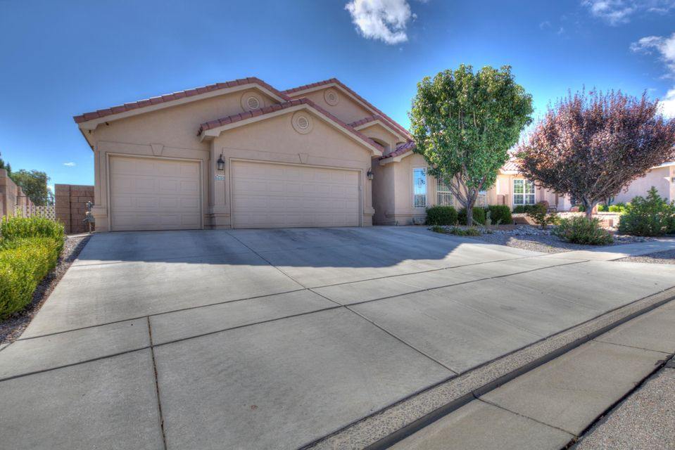 MUST SEE THIS HOME!Super clean inside and out Kim Brooks home 4 bedroom,  2.5 bath, 3 card garage home has been meticulously well kept sits on .34 acre and is fully landscaped with waterfall , Granite countertops , Breakfast nook and formal dinning, Refrigerated air to keep cool in the NM summer . Come see it asap will sell fast.