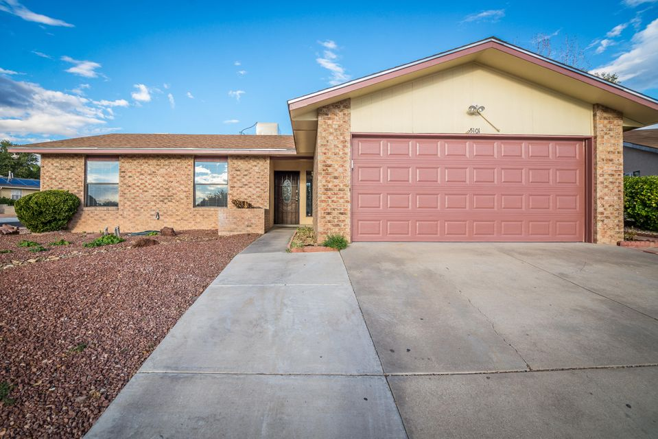 OPEN HOUSE SATURDAY 10/20/2018 12:45 to 3:00.  Oversized family room flows perfectly off the remodeled kitchen.  Great big giant living area is the entire northside of this home. Located in La Cueva Desert/Ridge school district and just a stones throw from wildflower park!  The floorplan really works on this home.  This entire neighborhood looks great.! Roof 2016, Master Cool 2017, Paint 2018.  The original owners have taken very good care of this home from its start.  In the extensive preparation for the new owners the kitchen has been remodeled with all new stainless steel appliances. Ceiling fans replaced, light fixtures replaced, painted, landscaping spruced up, and a ton more.   Call your broker or me and we can take a look at this great place to live.