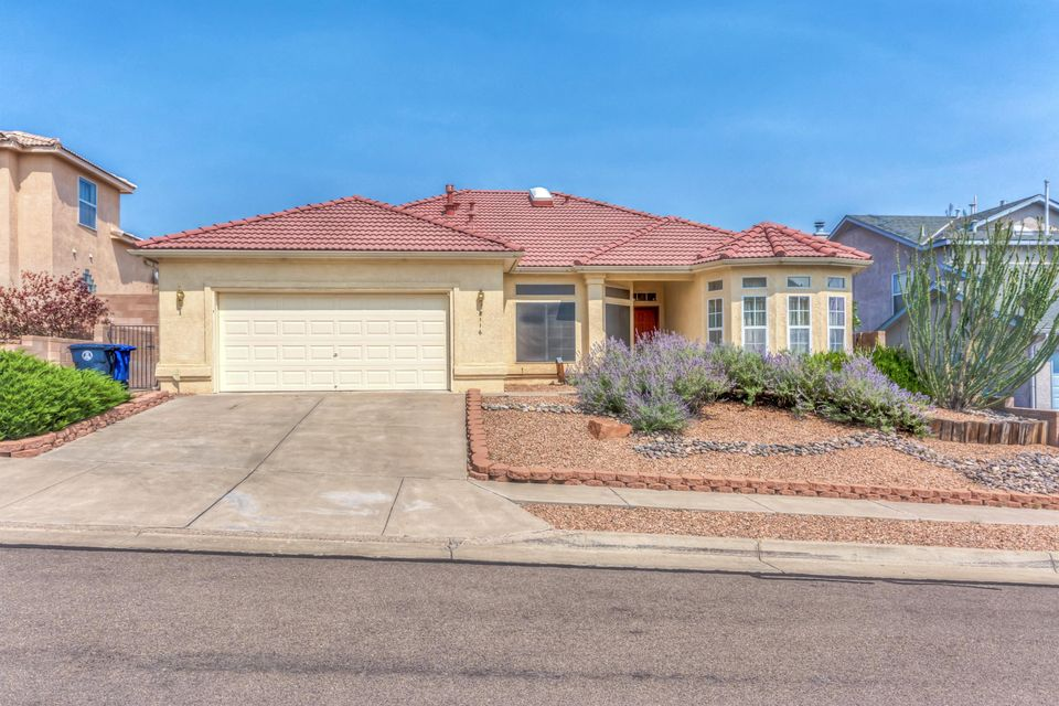 Located in one of the best neighborhoods in northwest Albuquerque Rancho Centro. This beautiful, 3 bedroom / 2 bath home is a single level with an open floor and great for the family that is just starting out. The schools are amongst the best Albuquerque has to offer from Elementary all the way up to High School. Close to walking trails and parks. Most amenities are just minutes away to include Costco, Wal-Mart, Smiths, Starbucks and many many more. Come and see this one before its SOLD