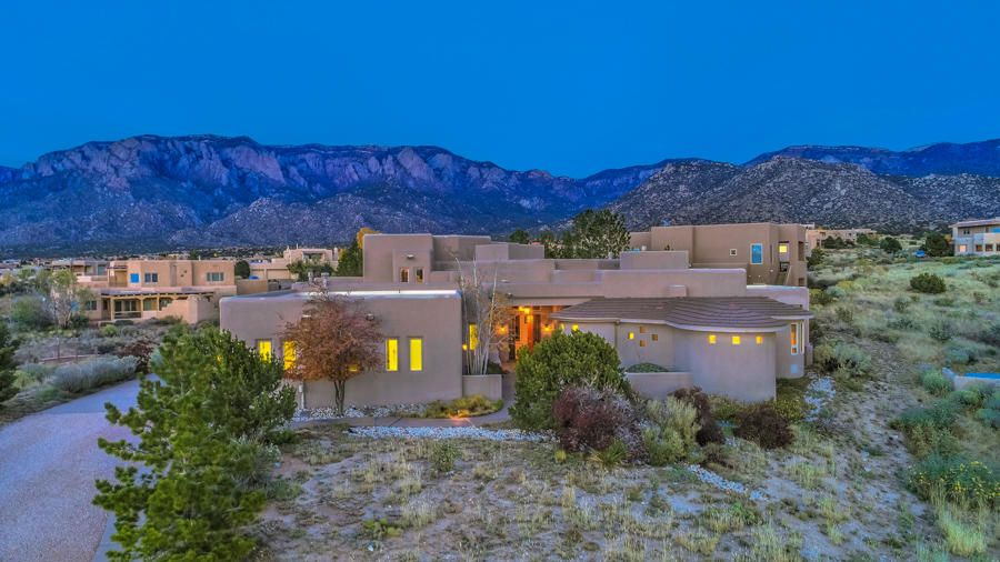 Distinctive Foothills/Overlook at High Desert! Upscale, Elegant Custom Retreat (mostly one level) Featuring an Open, Light & Bright Floorplan. Raised, covered Portico, welcoming foyer, large greatroom w/raised ceiling open to formal dining room. Dramatic, upscale kitchen w/custom hickory cabinets, granite cntrs, 2 islands, stainless appliances, 2 dishwashers, 2 ovens, 2 Sub Zero drawers next to built-in fridge/freezer, Dacor downdraft cooktop;  Big pantry baking /appliance center, breakfast area & more. Separate main floor master bedroom retreat w/luxury bath, private patio access & coffee station. Big guest bedrooms (one up & one down), one w/view deck. Gentleman's oversized 3 car gar w/large exercise/storage room, closet & workshop area. Exceptionally Maintained, Prestigious & Elegant!