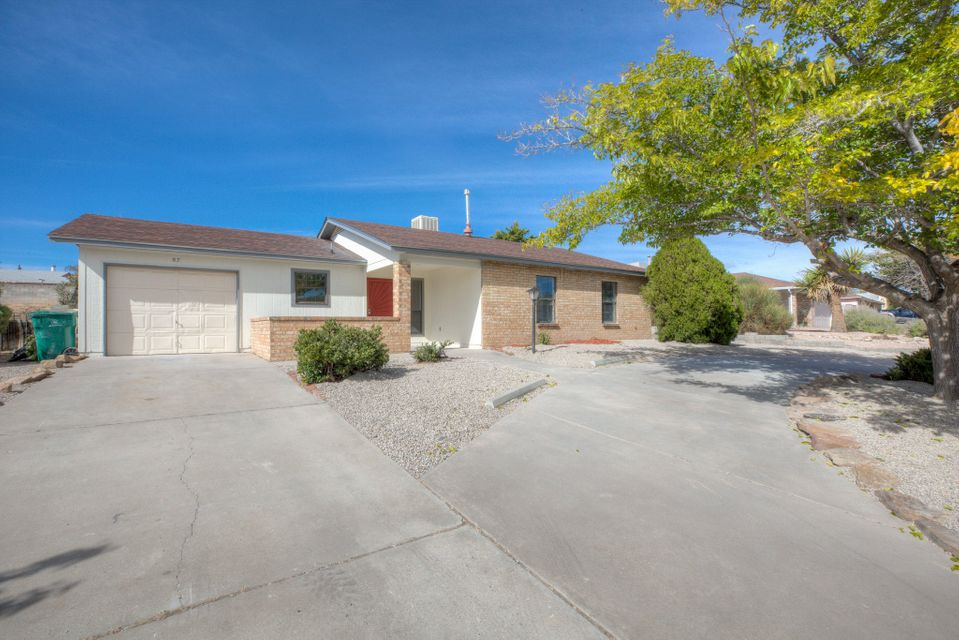 Come fall in love with this modern designed Rio Rancho home! Featuring contemporary finishes throughout, this 3 bedroom home boasts stainless appliances, granite countertops, and master suite with walk-in shower.  This location has it all- only minutes away from schools, parks, great shopping, and dining. Call for your private showing and make this house your home today!