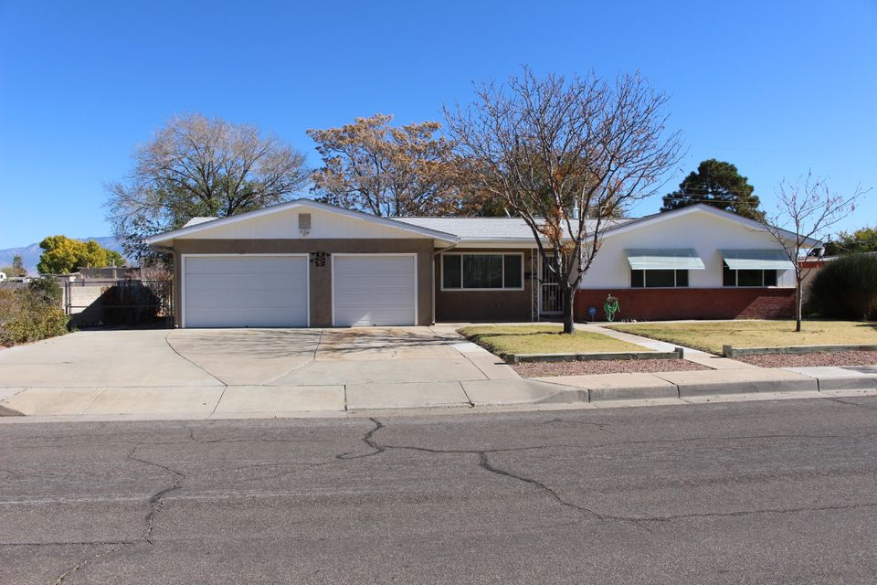 Lovely 4 BR, 2 full BA home, with impeccable front and rear landscaping + a tandem 3-car garage. Newer roof, refrigerated air, heater, windows, stucco, electric system, lighting, and gutters. 4th BR has separate access and a Fujitsu mini-split for cool/hot air ... could be in-law/teen quarters, home office or airbnb? Large pantry off DR could hobby room or ?? Private 1 block tree lined street.
