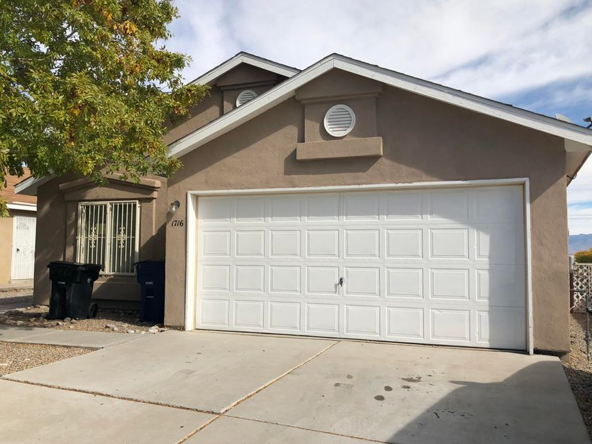 Adorable 3 bed 2 bath home in the South Valley.  You will enjoy this home with the spacious dining area, laminate counter tops ,and mountain views. Appliances included. Come see this home and make it yours today!!