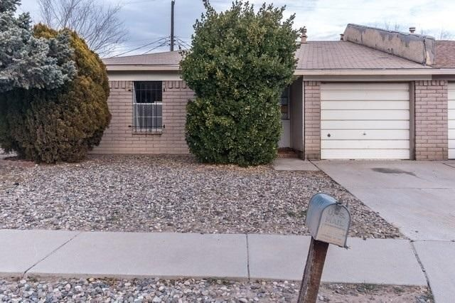 Great single story town home. Property features 3 bedrooms, 2 baths, and just over approximately 1,000 square feet of living space. The unit is in need of some TLC but has good investment potential.