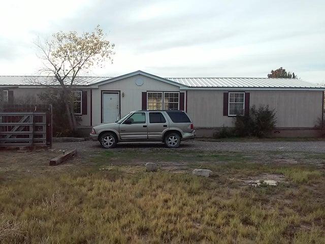 6327 Isleta SW, Albuquerque, NM 87105
