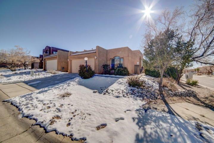 2141 Coyote Willow Avenue NE, Albuquerque, NM 87122