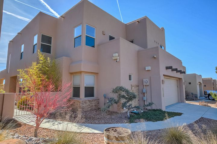 8864 Desert Fox Way NE, Albuquerque, NM 87122