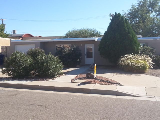 5204 Cherokee Road NE, Albuquerque, NM 87110