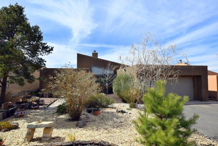 1860 Tramway Terrace Loop NE, Albuquerque, NM 87122