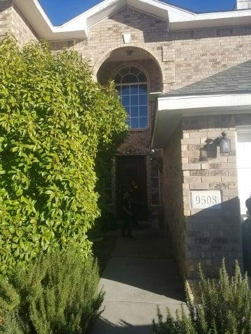 9508 Benton Street NW, Albuquerque, NM 87114