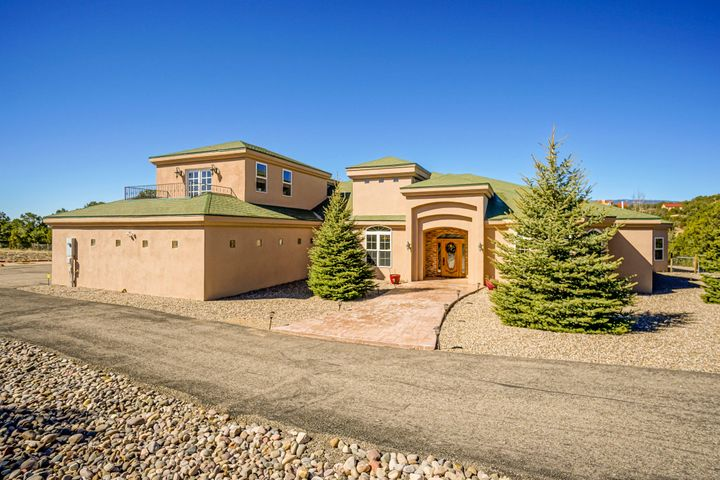 13 Heights Court, Sandia Park, NM 87047