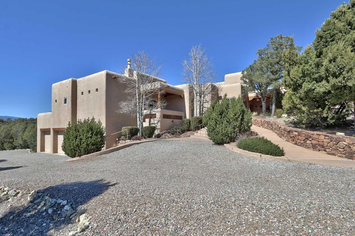 19 Pinon Ridge Road, Tijeras, NM 87059