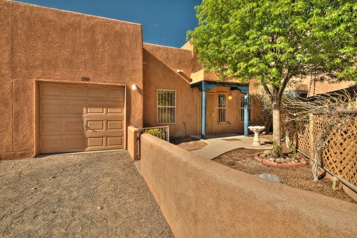 1509 NW Los Jardines Place NW, Albuquerque, NM 87104