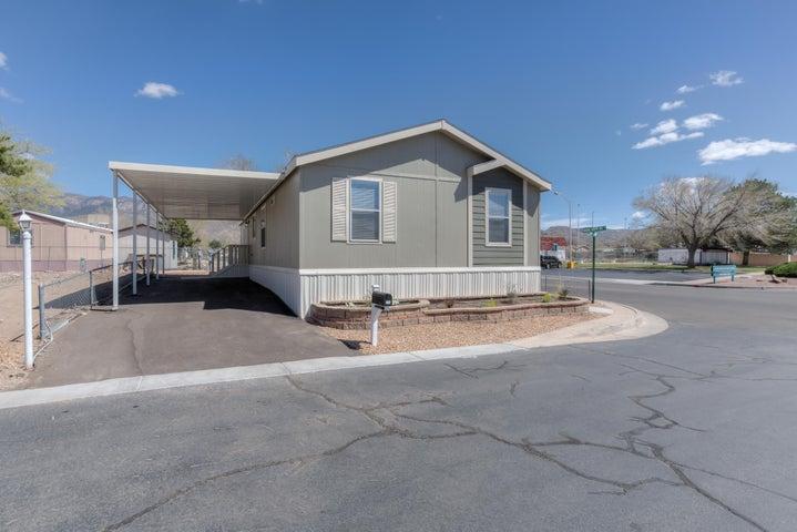 724 Fox Lane SE, Albuquerque, NM 87123