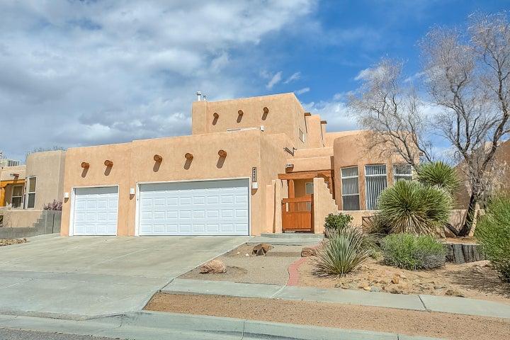 6401 Pima Place NW, Albuquerque, NM 87120