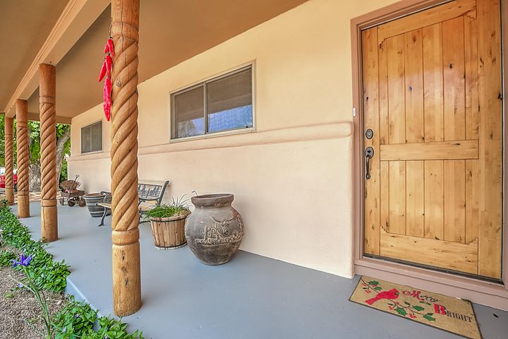 1132 WESTERN MEADOWS Road NW, Albuquerque, NM 87114