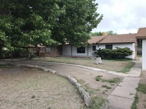 330 Sego Lily Street, Bosque Farms, NM 87068