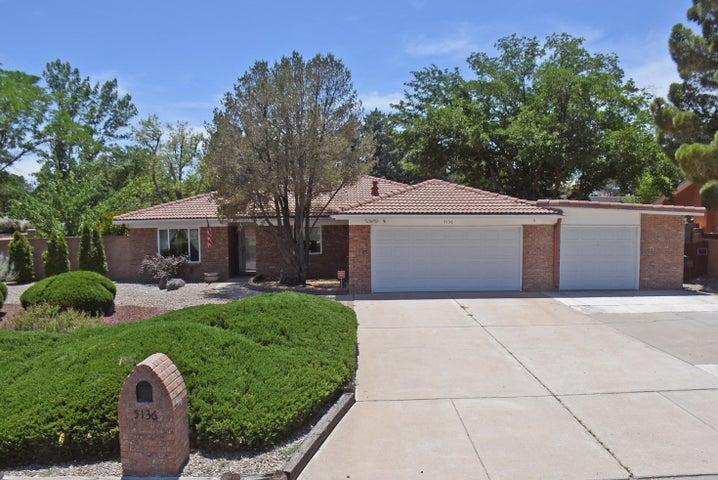5136 Fairfax Drive NW, Albuquerque, NM 87114