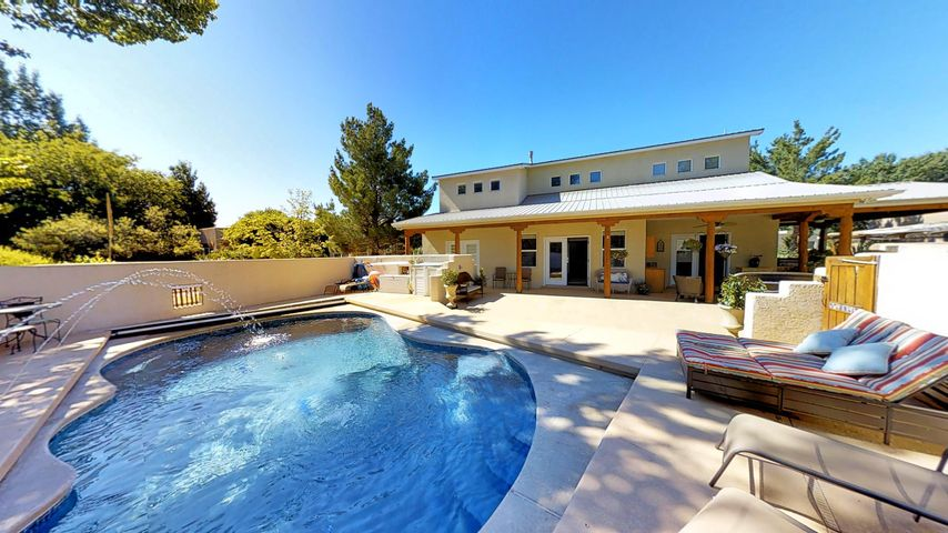 2619 Rio Orilla Lane NW, Albuquerque, NM 87120