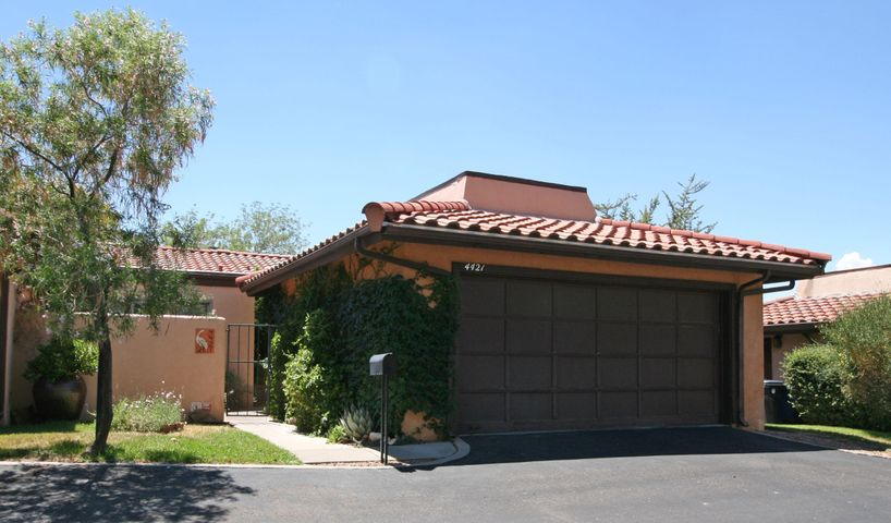 4421 Roxbury Avenue NE, Albuquerque, NM 87111