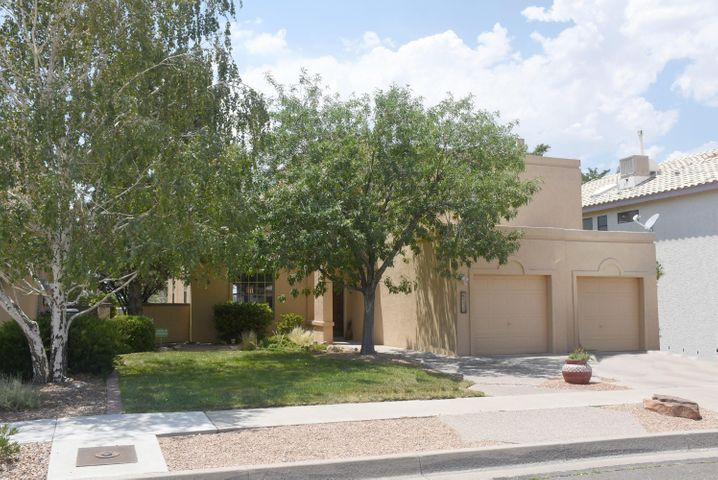 8835 Henriette Wyeth Drive NE, Albuquerque, NM 87122