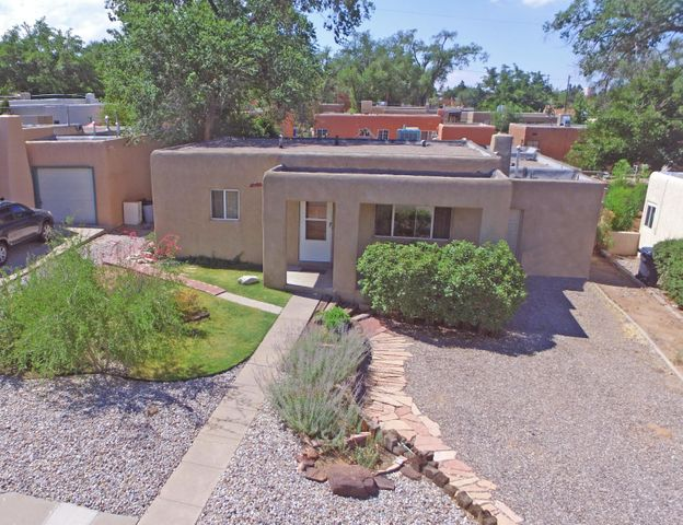 2726 San Rafael Avenue SE, Albuquerque, NM 87106