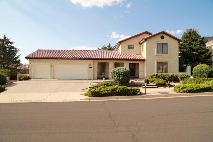 13705 Vic Road NE, Albuquerque, NM 87112