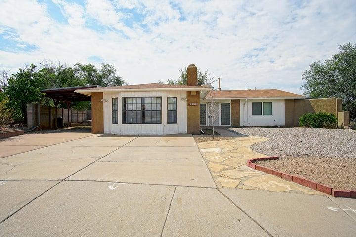 8801 Peony Court NE, Albuquerque, NM 87113