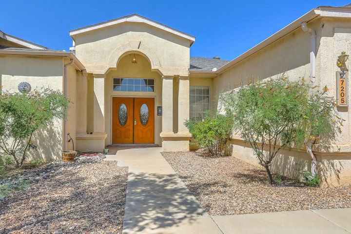 7205 Spruce Mountain Loop NE, Rio Rancho, NM 87144