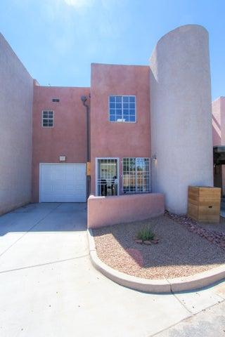 1252 Rosemont Avenue NW, Albuquerque, NM 87104