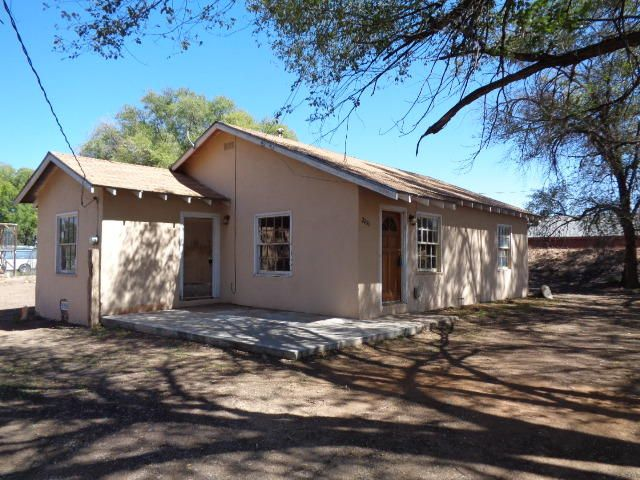 2200 WINCHESTER Drive, Bosque Farms, NM 87068