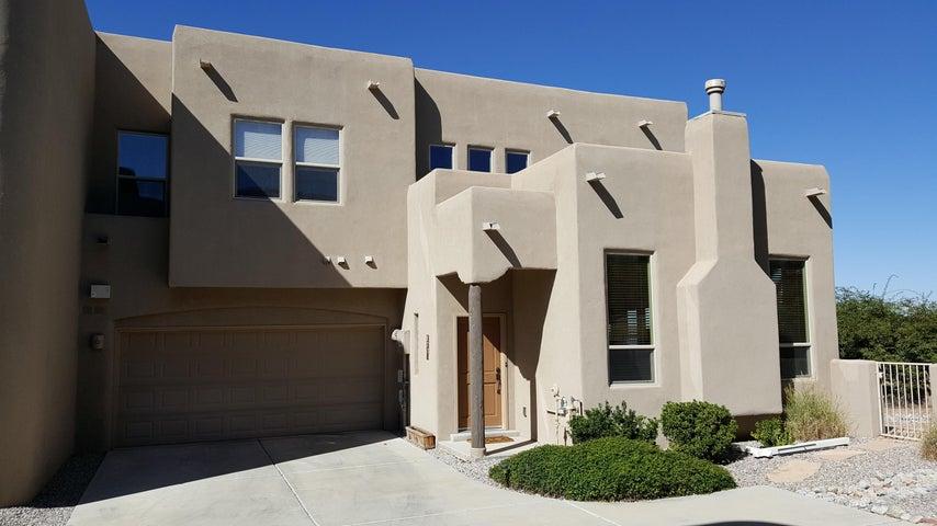 8731 Desert Fox Way NE, Albuquerque, NM 87122