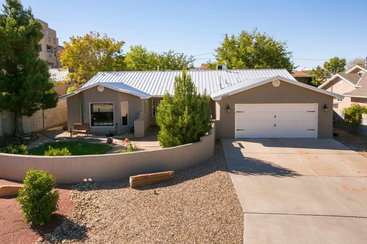 10609 Steward Street NW, Albuquerque, NM 87114