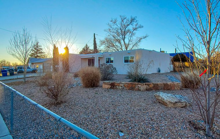 1045 BETTS Place NE, Albuquerque, NM 87112