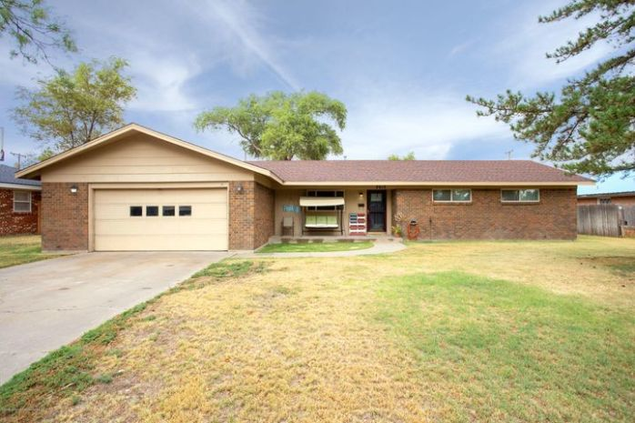 2615 11TH AVE, Canyon, TX 79015