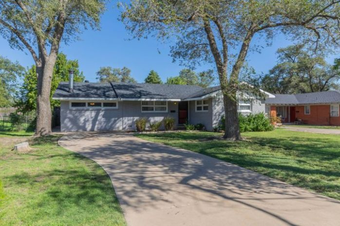 2511 9TH AVE, Canyon, TX 79015