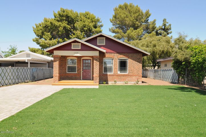 1728 E PINCHOT Avenue, Phoenix, AZ 85016