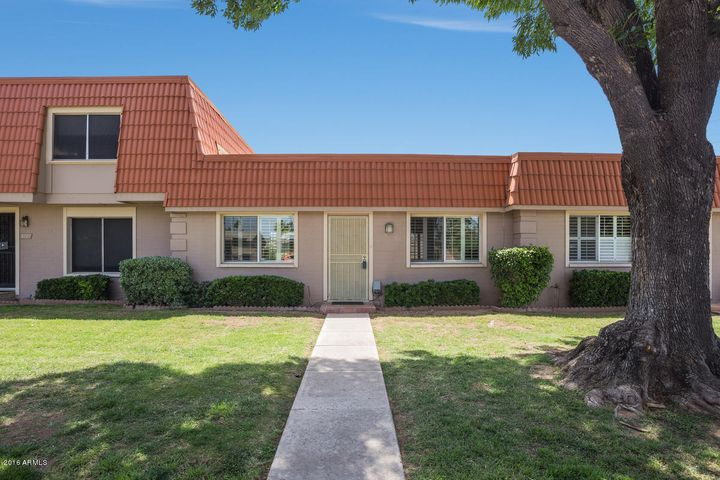 Central Scottsdale, Close to Salt River Fields, Schools, Shopping, Restaurants, Old Town, Loop 101 and Chaparral Park