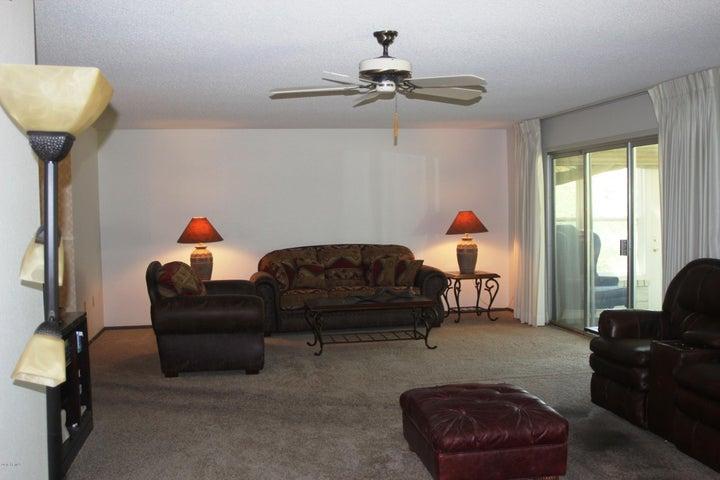 12612 W SENECA Drive, Sun City West, AZ 85375