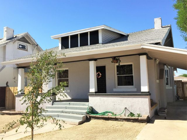 1526 West Monroe in Woodland Historic District was built in 1916 and is officially called the DUNLAP/BEACH/ALLEN home and is in the core Downtown Phoenix