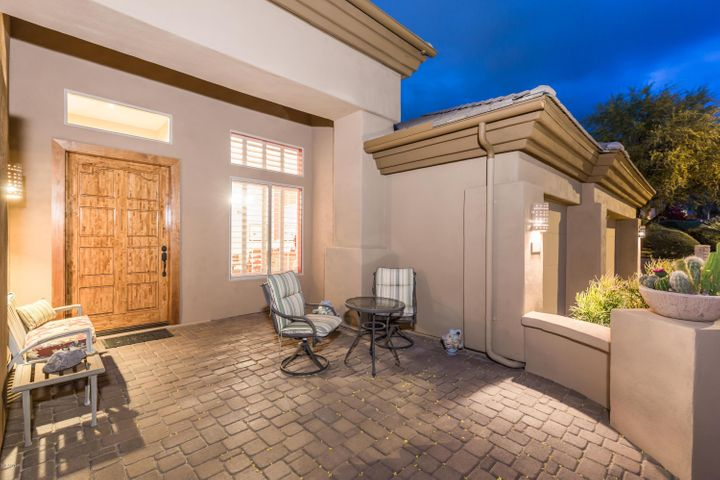 Beautiful brick pavers and custom gate create a great front courtyard area. Refinished custom Alderwood front door