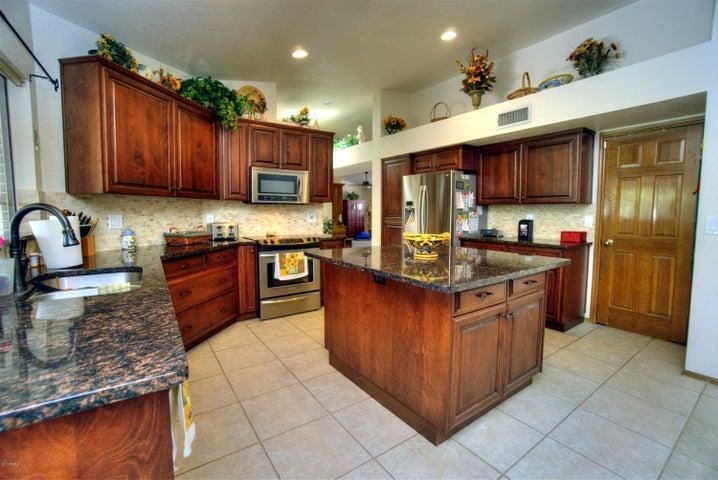 4040 E CHOLLA CANYON Drive, Phoenix, AZ 85044
